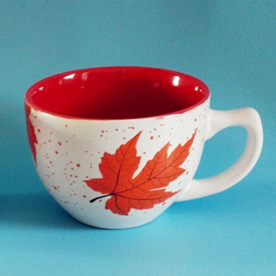 Maple leaf decal ceramic coffee mug